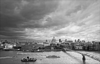 Thames by Jim Lowry